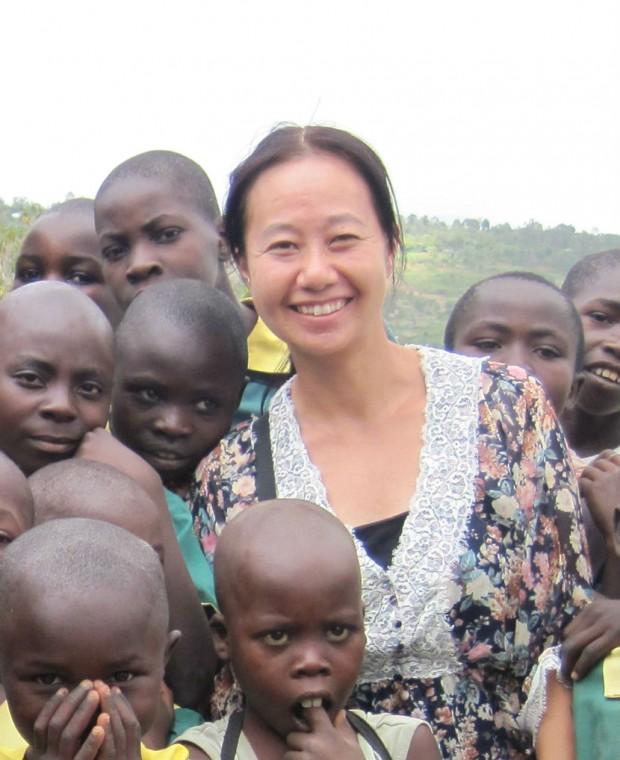 海外で頑張る人の物語 Stories 【村上千恵さん ー アフリカ ー】 ピースダイヤモンドで世界を変える